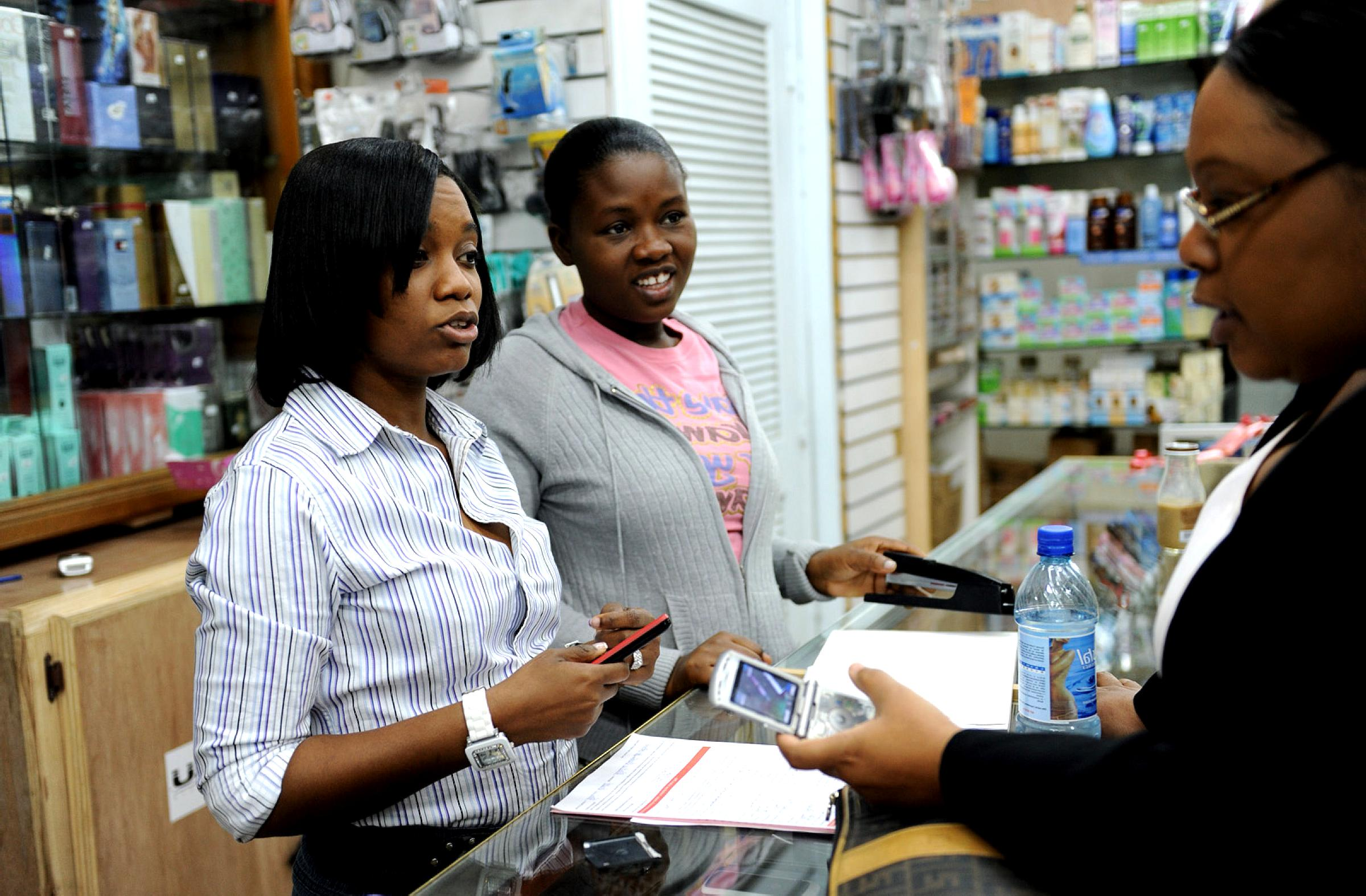 Free picture: new, mobile, banking, customer, signs, mobile, banking, supermarket