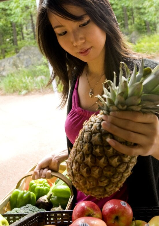 nice, face, Asian, girl, picking, ripe, pineapple, market
