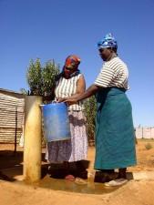 Afrika Selatan, perempuan, pompa air