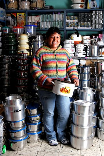 women, Ecuador, expanded, small, store, profitable, business