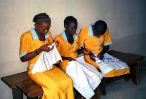 unge piger, Benin