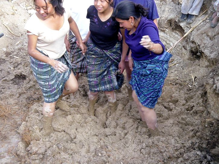 young, Mayan, women, mixing, ingredients, adobes, youth, leadership, training, camp