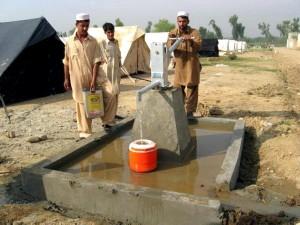 kézi vízpumpa, telepítés, Pakisztán