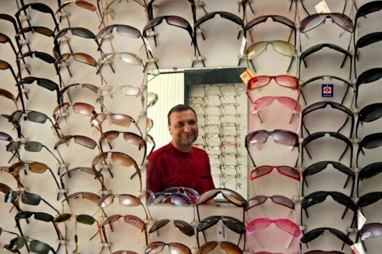 optical, shop, owner, expanded, selection, stock, eyeglasses
