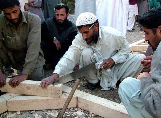 carpenter, Kaleri, village, Pakistans, northBagh, district
