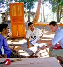 charpentiers, discuter, petits, prêts, à l'est, au Timor