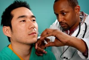 up-close, wajah, memberikan, vaksin, kabut, lubang hidung