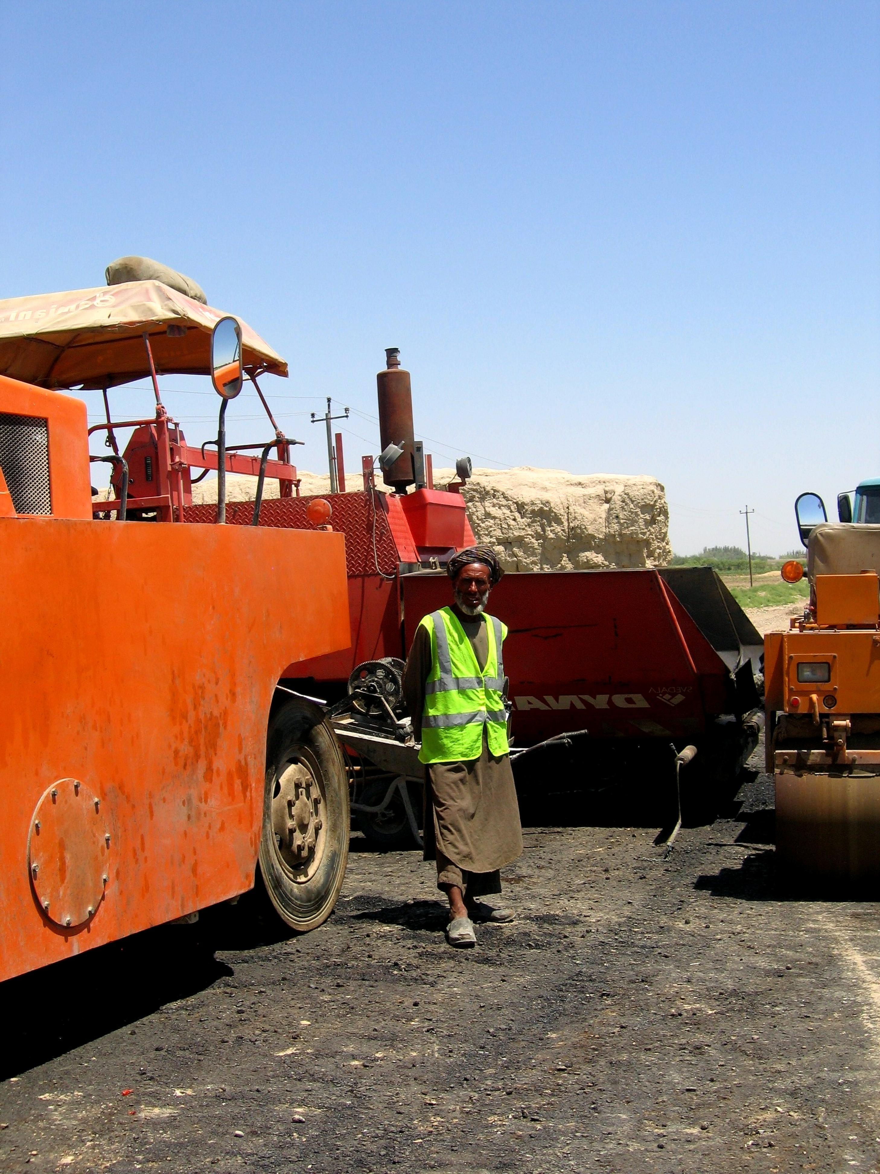 Imagen gratis: construcción, trabajador, asfalto, camino