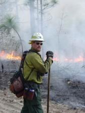 Feuerwehrmann, Ausrüstung, Wald, Buschfeuer