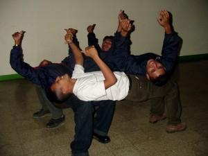 hra, důvěru, mladí muži, učit se, věřit, mládež, vedení, školení, Tábor, Solola, Guatemala