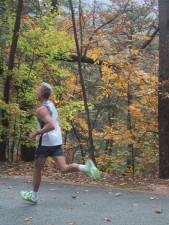 lone, runner