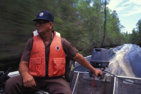 man, drives, motor, boat