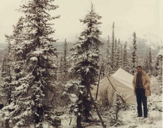 Mann, stehend, Zelt, Wald, Winter, Camping