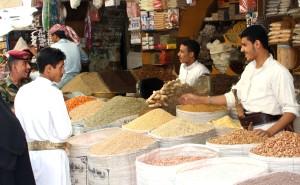 hommes, vendre, produits, Yémen, ouvert, marché
