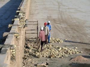 男性、作業、水、運河、プロジェクト、灌漑、農家