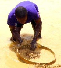 miner, Sierra Leones, looking, diamonds, river