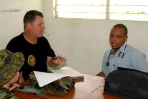 Teilnahme, Diskussionen, Haitianer, Gesundheit, Beamte, Klinik lokalen, medizinisch,