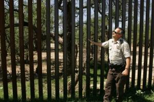 drone Patroller, uniforme, frontière, clôture