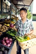 sourire, jeune, asiatique, homme, shopping