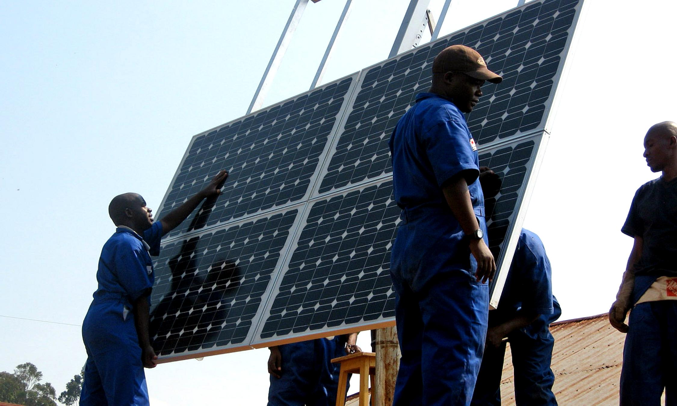 Free picture: training, workers, install, solar, panels, health, clinics, Rwanda, clean, energy