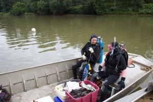 deux, plongée, plongeurs, discuter, sous-marin, la recherche, la plongée