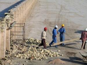 workers, water, canal, project, Yemen