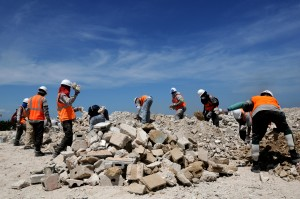 pracovníkov, triediť, suť, port, Prince, Haiti