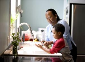 Mutter, Seife, Hand, Sohn, helfen, Händewaschen