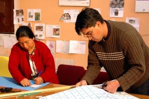 parajuristes, Guatemala, créer, manuels, intrafamiliales, la violence, le soutien, les efforts