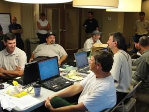 les gens, assis, bureau, séance d'information