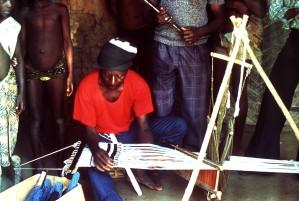 sierra, Leone, weaver, practicing, craft, loom, fellow, villagers, watch