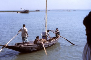 small, fishing boat, traveling, unidentified, river, country, Bangladesh