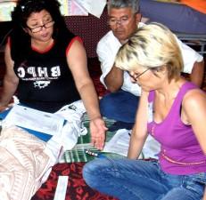 opettaja, edistää, oppimismenetelmiä, laajentaa mahdollisuuksia, maaseudun, lapset, turkmenistan