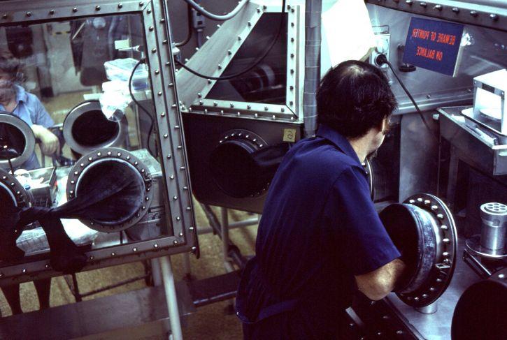 laboratoriju, tehničari, posao, van, zaštitni, rukavica, kutije
