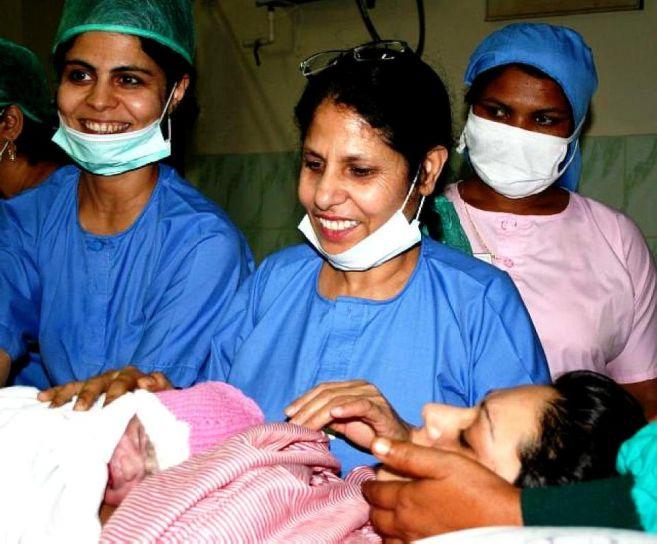 θηλυκό, γιατροί, κοστούμια, Πακιστάν