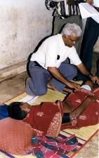la india, doctor, examinar, tsunami, víctima