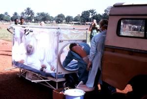 médicale, l'évacuation, le Zaïre, soupçonné, ebola, patients