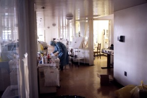 enfermeira, isolamento, ala, 1975, marburg, surto, Joanesburgo, África