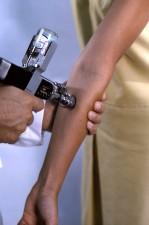 jet, d'introduire, le vaccin, les bénéficiaires, l'avant-bras