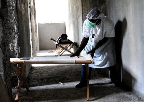 personnel, move, cots, cholera, treatment, center