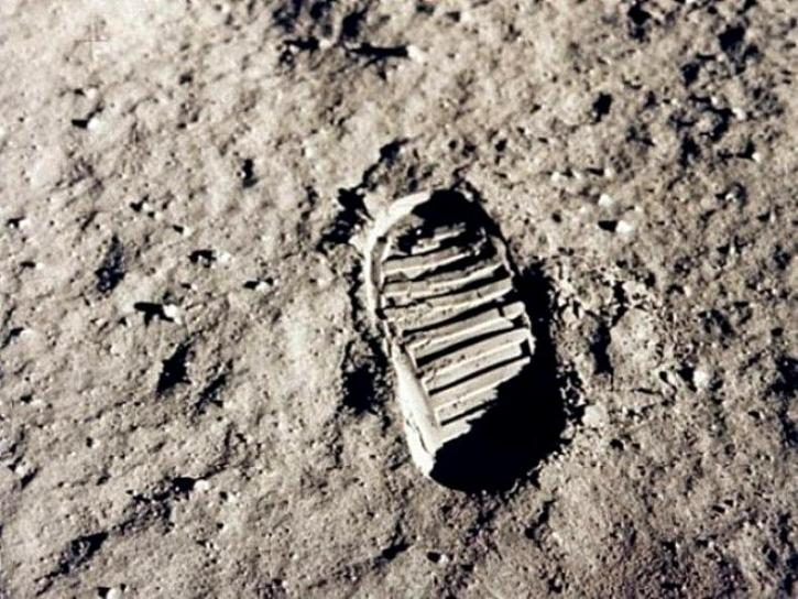 footprint, moon
