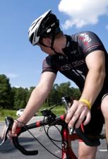 mâle, cycliste, équitation, vélo, journée ensoleillée