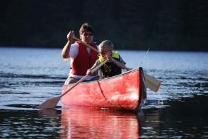 homme, garçon, paddle, canoë