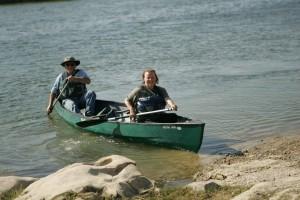 les gens, le canoë, l'eau