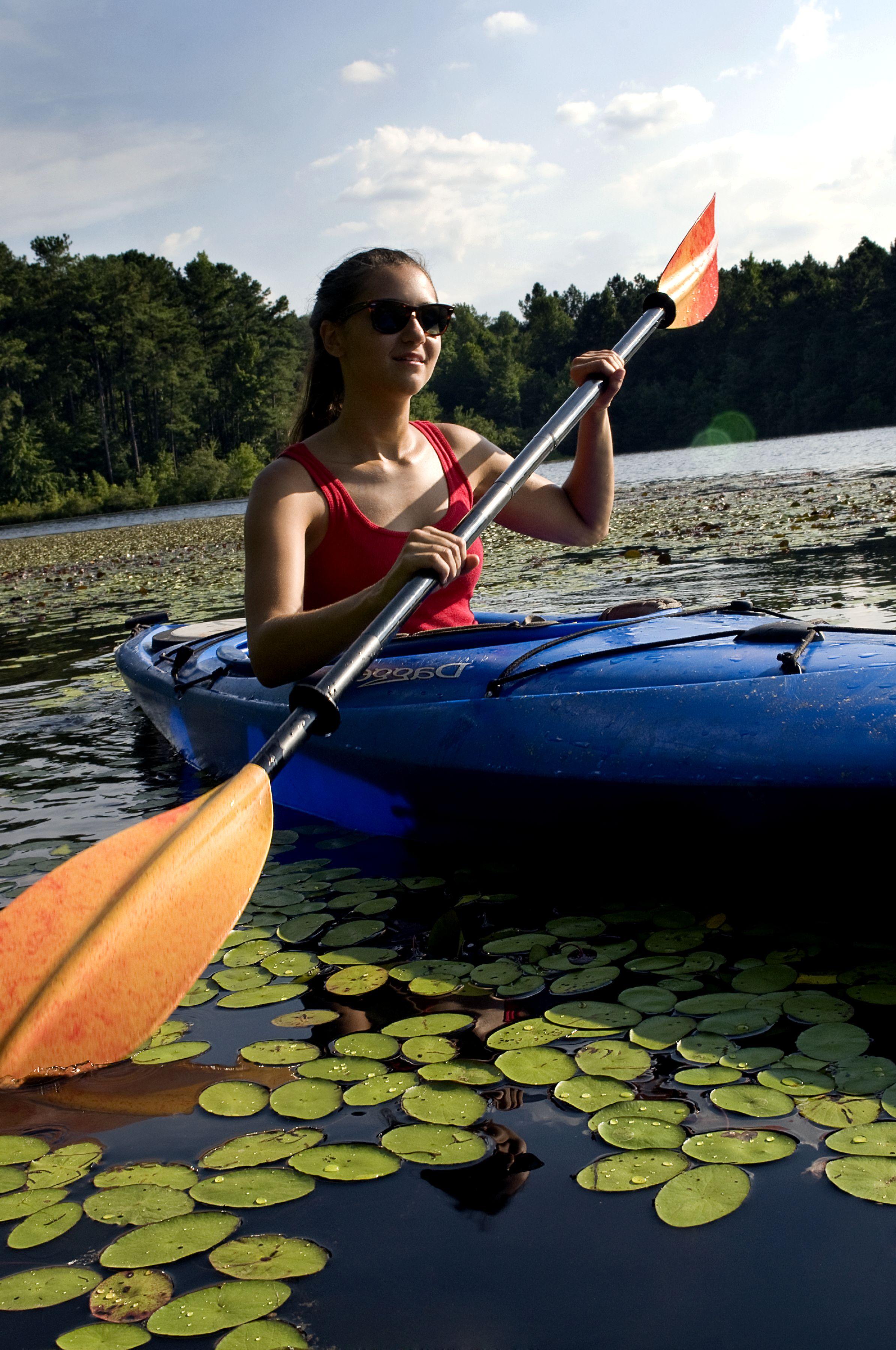 free picture woman kayaking