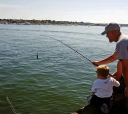 父亲, 儿子, 钓鱼, 小, 男孩, 帮助, 父亲, 鱼