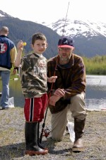 homme, garçon, pêche, poteau