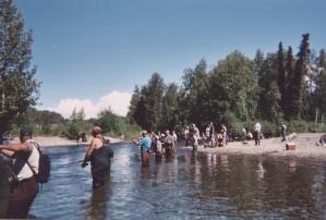 les gens, combat, pêche, rivière