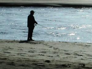 sihouette, sportfisherman, shown, river