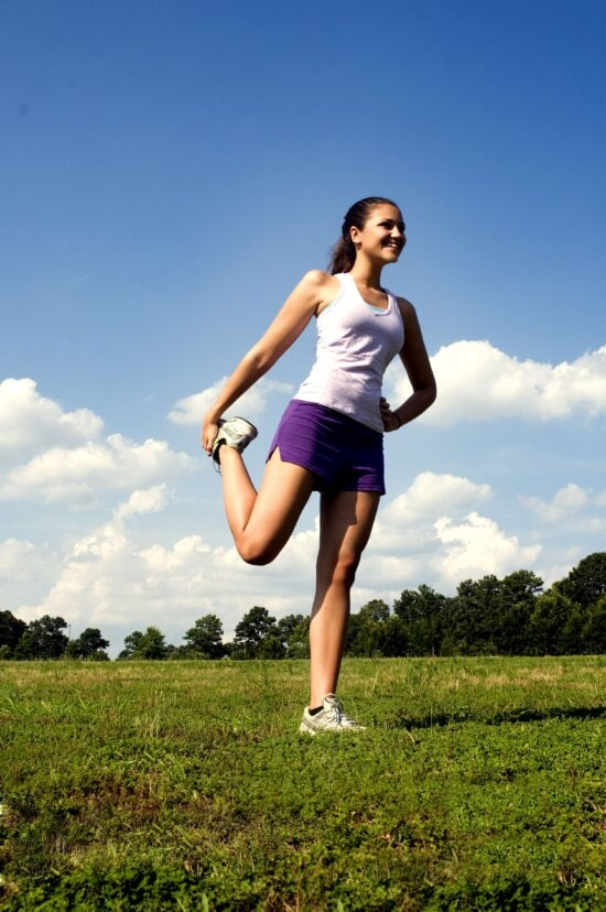 female, quadriceps, stretching, position